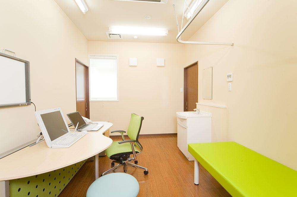 くりう内科クリニック 診察室-2写真